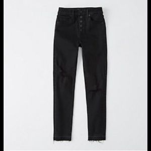NWOT Abercrombie high rise distressed jeans